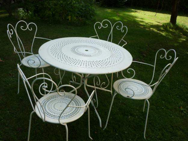 Table de jardin en fer forg - Salon jardin fer forge ...