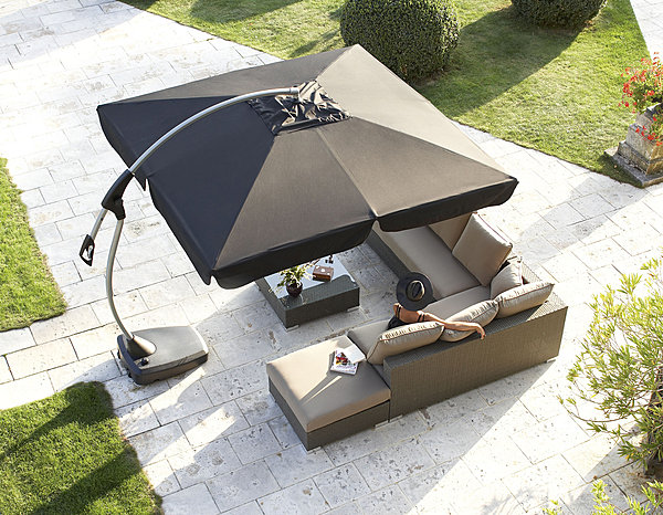 le parasol un outil indispensable pour rester l 39 ombre le paysagiste le paysagiste. Black Bedroom Furniture Sets. Home Design Ideas