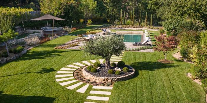 La différence entre architecte paysagiste et jardinier paysagiste