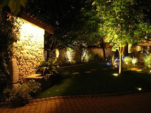 éclairage LED pour jardin
