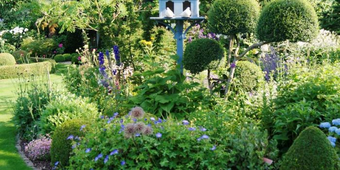 Embellir l'extérieur de la maison avec un jardin d'ornement