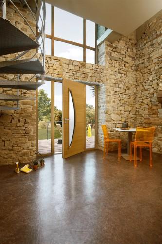Porte d'entrée GAIA mixte alu / bois contemporaine mi vitrée