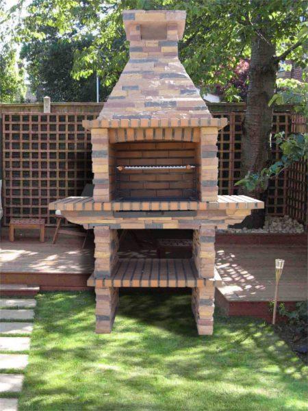 Comment am nager un barbecue dans le jardin le paysagiste for Barbecue en pierre de taille