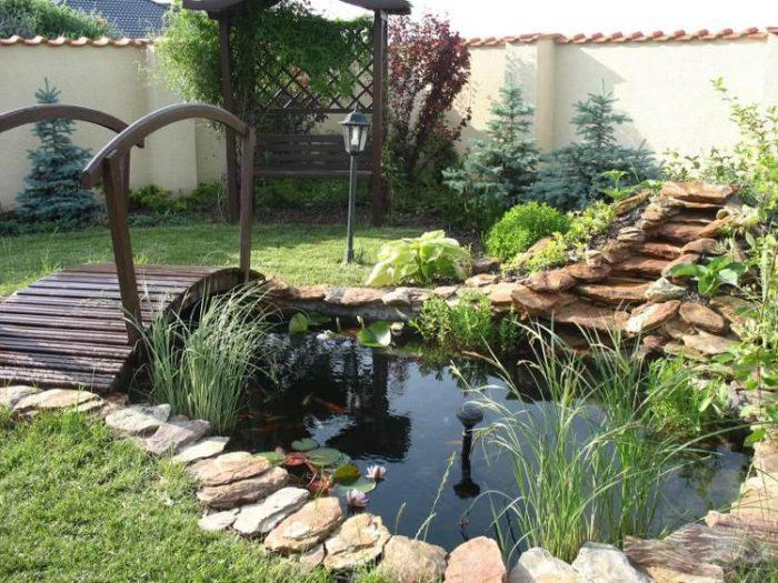 Installer un bassin harmonieux pour embellir le jardin for Reglementation bassin de jardin