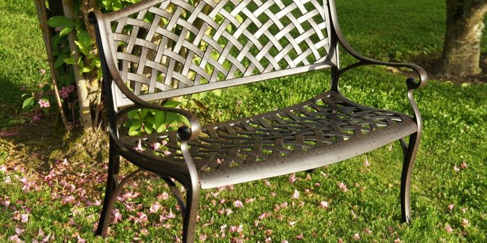 Conseils pour bien entretenir votre mobilier de jardin en fer