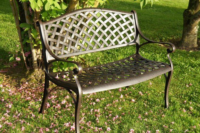 conseils pour bien entretenir votre mobilier de jardin en ferle paysagiste le paysagiste. Black Bedroom Furniture Sets. Home Design Ideas