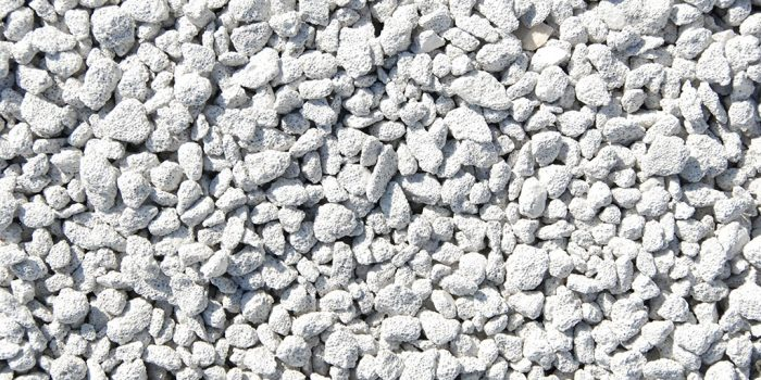 Paillage minéral à Jacou : les avantages