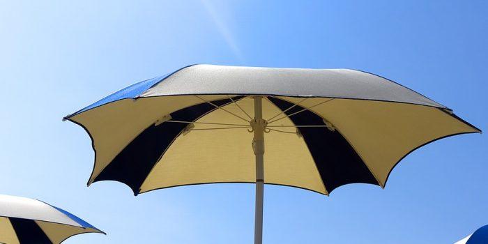 Choisir un grand parasol pour votre grande terrasse ?